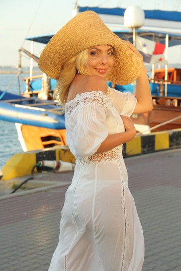 Irina IS122