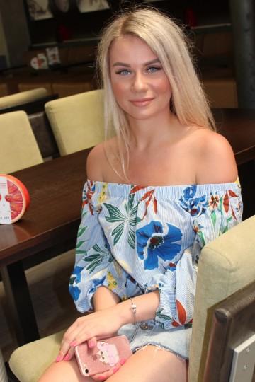 Elena IS407