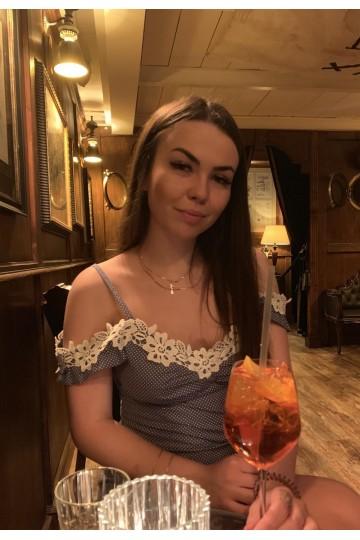Anastasia F057